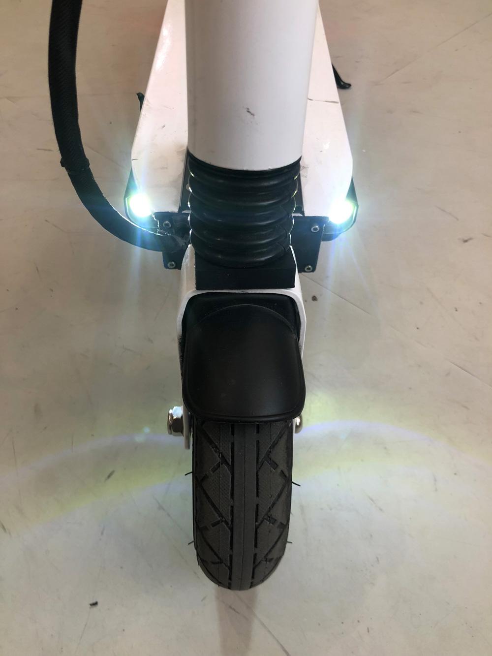 Trottinette électrique Speedway Mini 4 : roues